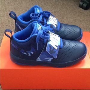 Nike hustle camo blue sneakers